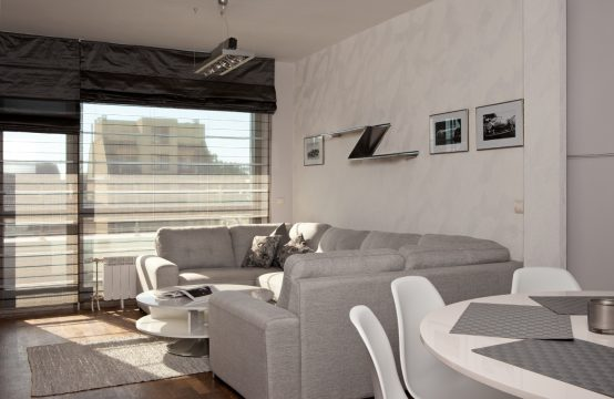 For rent three bedroom apartment on Cherkovna Str.