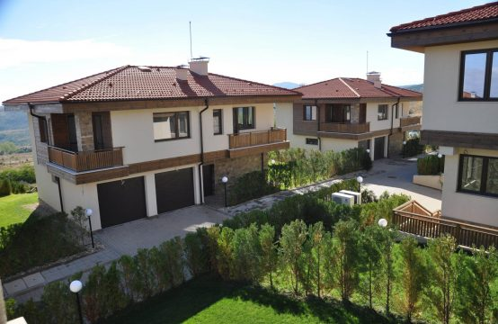 For rent house in gated compound