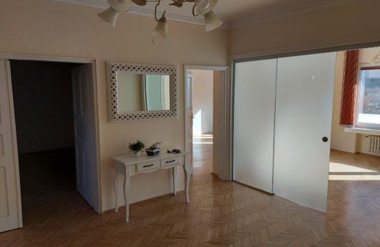 Two bedroom apartment for rent on Rakovski Street